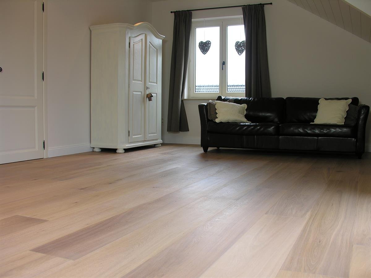 parkett dielen grenzland werkst tten f r holzbearbeitung. Black Bedroom Furniture Sets. Home Design Ideas